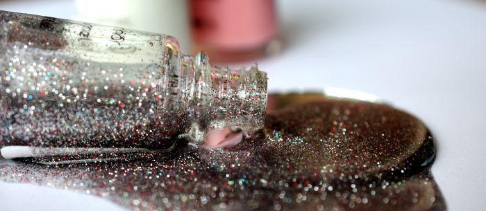 lac de unghii glitter
