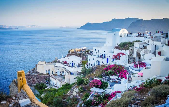 Insula Santorini din Grecia, o destinație pentru vacanță pe timp de pandemie